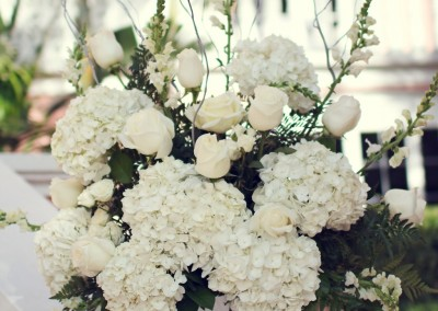 Best Tampa Wedding Florist - Northside Florist - White Wedding Ceremony Flowers